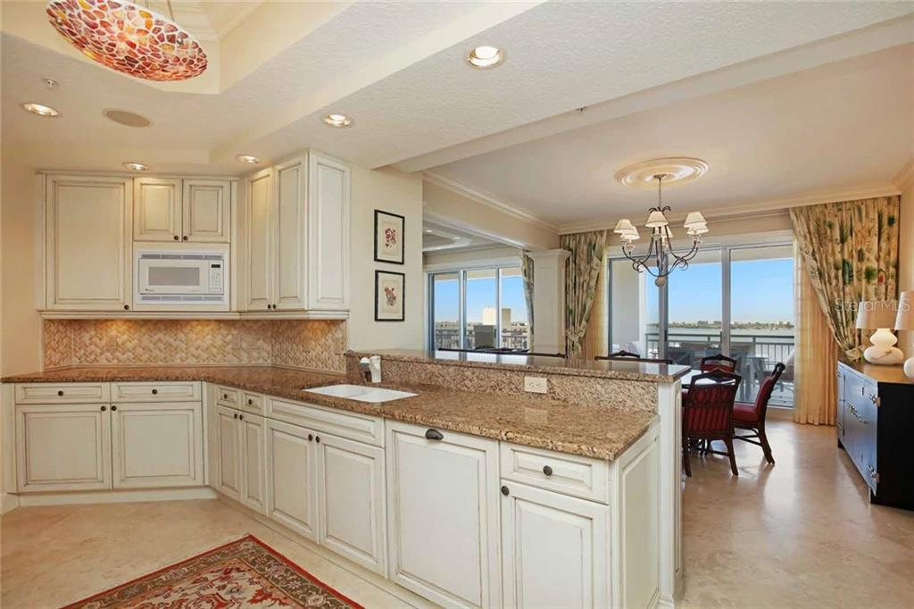 Condo for sale at 35 Watergate Dr #1003, Sarasota, FL 34236 - MLS Number is A4195385