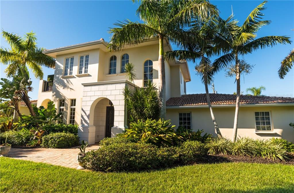 Your private oasis awaits - Single Family Home for sale at 1179 Morningside Pl, Sarasota, FL 34236 - MLS Number is A4209174