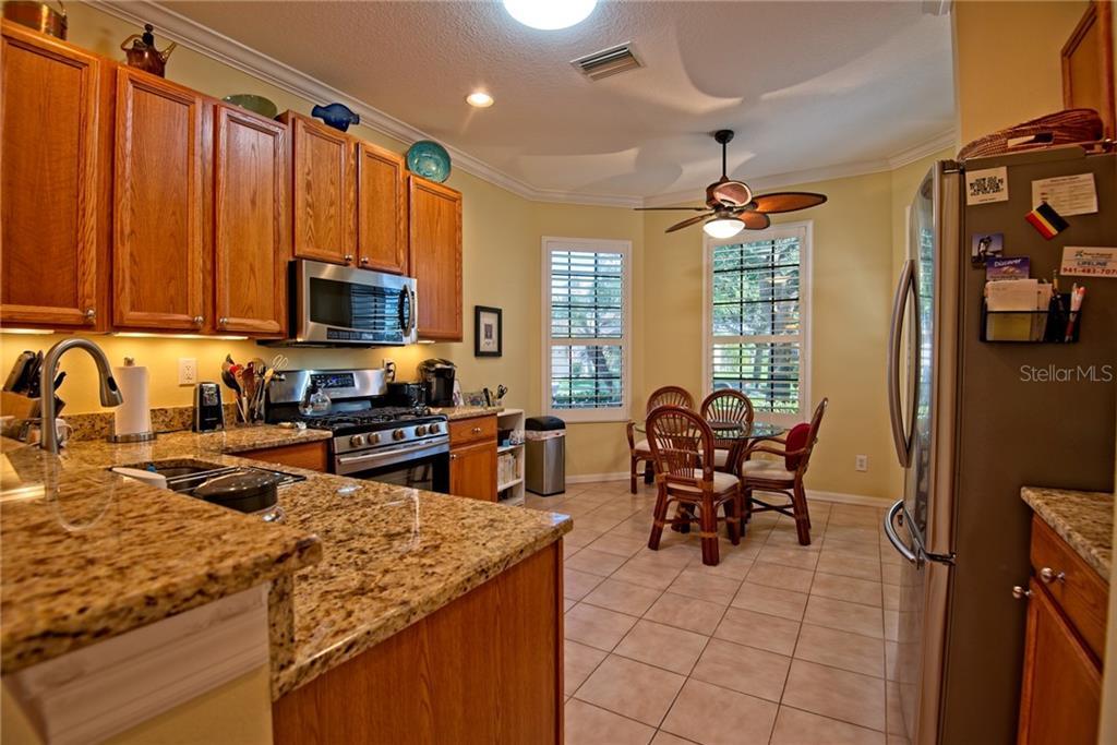 4140 Mackay Falls Ter, Sarasota, FL 34243 - MLS A4400569