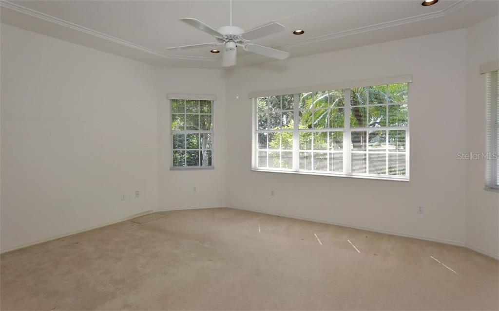 Single Family Home for sale at 4208 Palacio Dr, Sarasota, FL 34238 - MLS Number is A4417982
