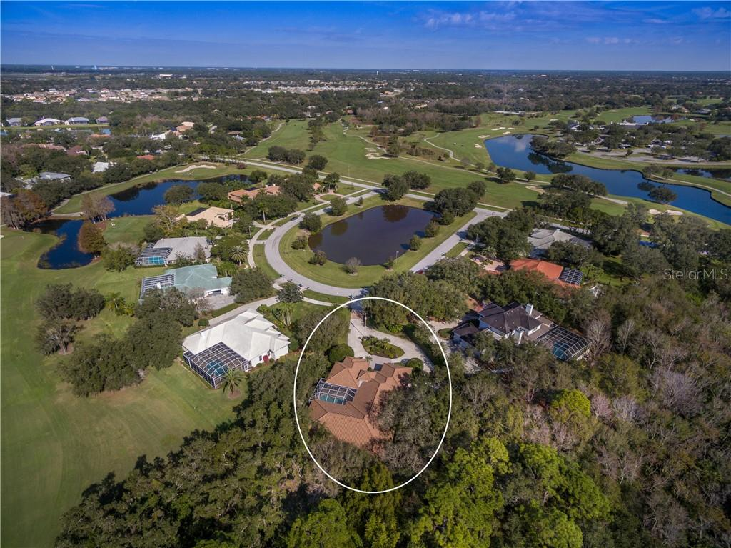 Spectacular Laurel Oak - great golf (optional) and such beauty! - Single Family Home for sale at 2972 Jeff Myers Cir, Sarasota, FL 34240 - MLS Number is A4424133