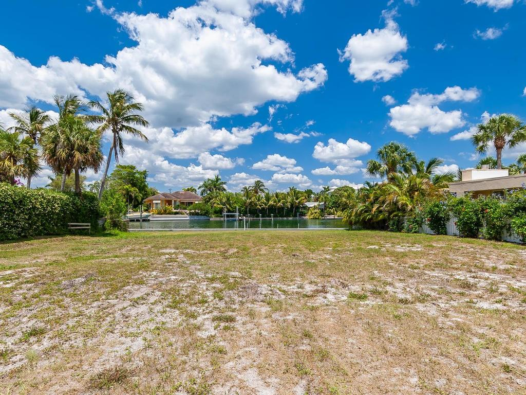 Vacant Land for sale at 341 S Polk Dr, Sarasota, FL 34236 - MLS Number is A4427413