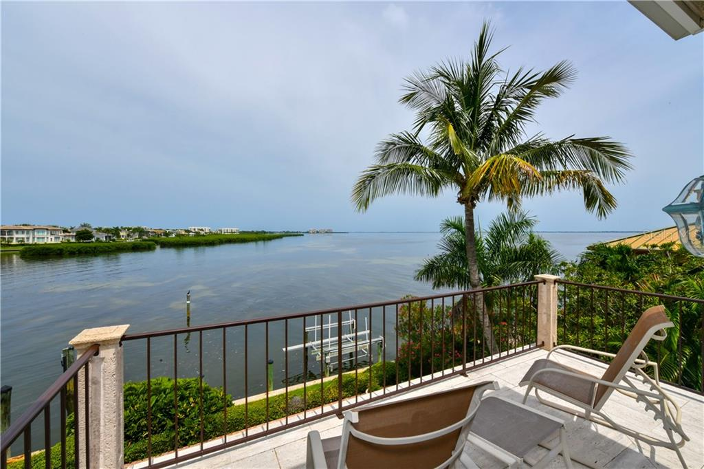 Single Family Home for sale at 591 Putter Ln, Longboat Key, FL 34228 - MLS Number is A4427895