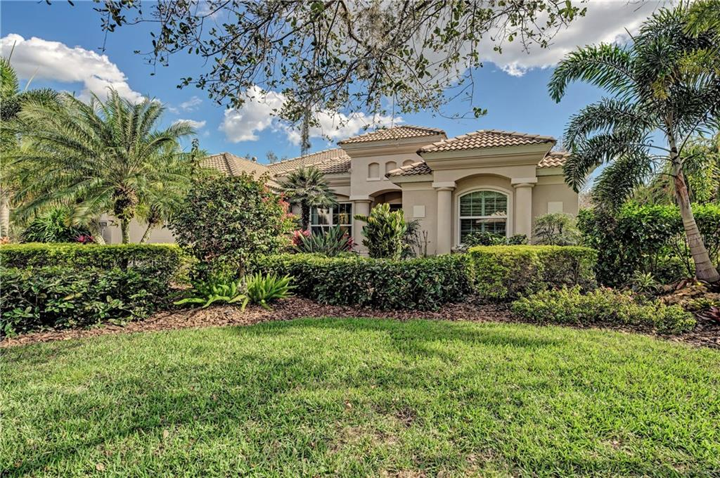 Single Family Home for sale at 7056 Owls Nest Ter, Bradenton, FL 34203 - MLS Number is A4428433