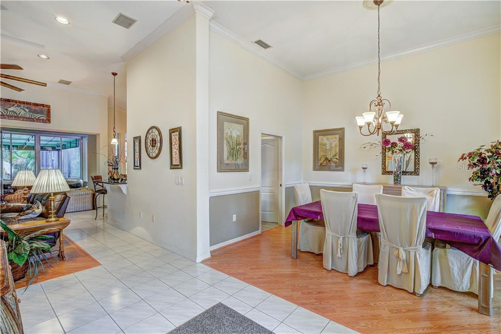 Beautiful 12 foot crowned moulding ceilings throughout - Single Family Home for sale at 6321 W Glen Abbey Ln E, Bradenton, FL 34202 - MLS Number is A4429610