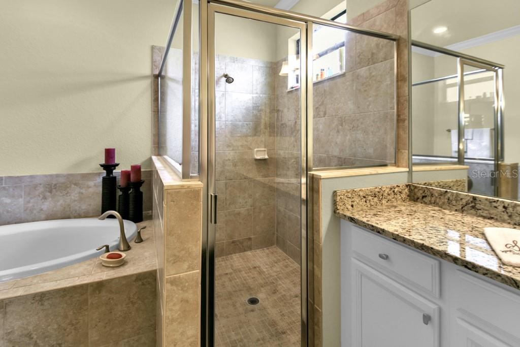 Master Bathroom Walk in Shower - Single Family Home for sale at 2937 Desert Plain Cv, Lakewood Ranch, FL 34211 - MLS Number is A4431016