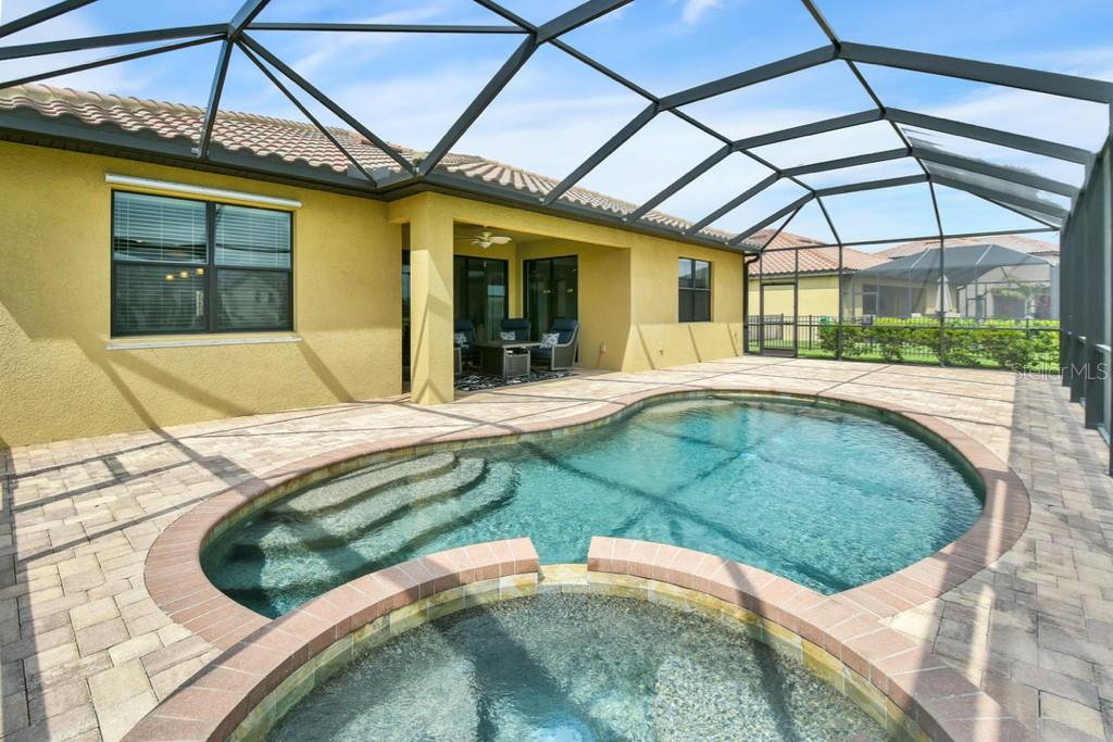 Screen enclosed pool and spa - Single Family Home for sale at 2937 Desert Plain Cv, Lakewood Ranch, FL 34211 - MLS Number is A4431016