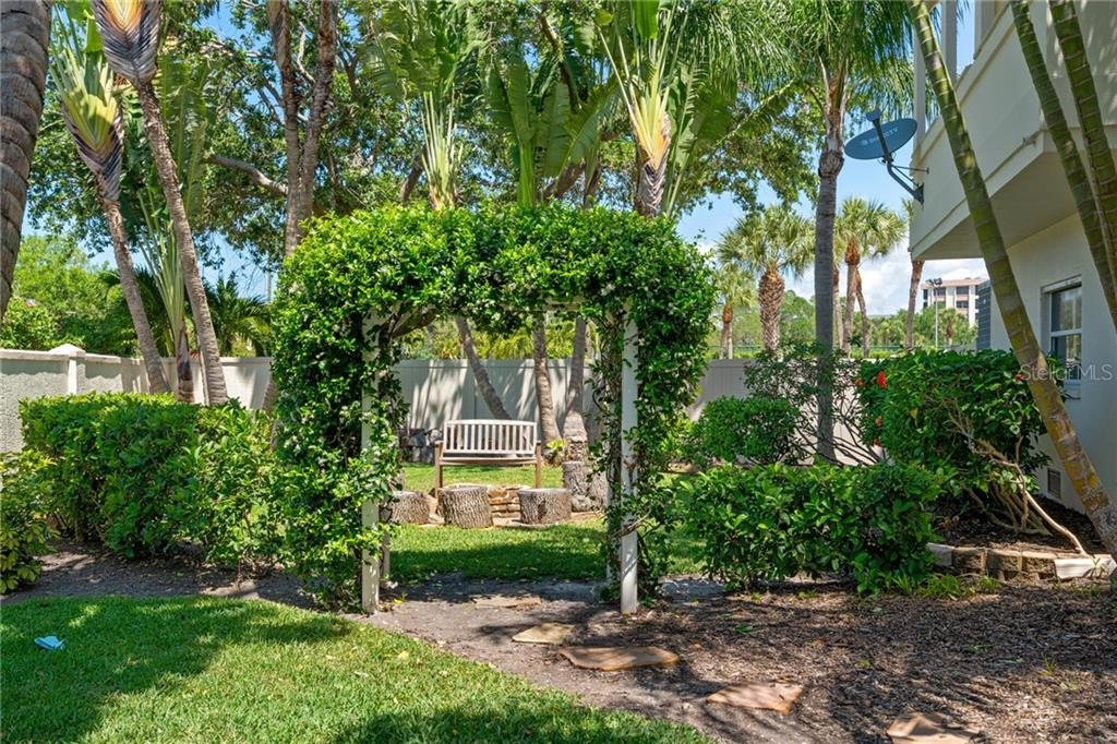 Single Family Home for sale at 1201 Tree Bay Ln, Sarasota, FL 34242 - MLS Number is A4433238