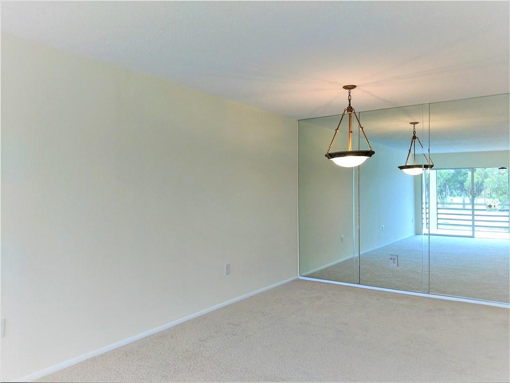 Dinning Area - Condo for sale at 7301 W Country Club Dr N #208, Sarasota, FL 34243 - MLS Number is A4440393