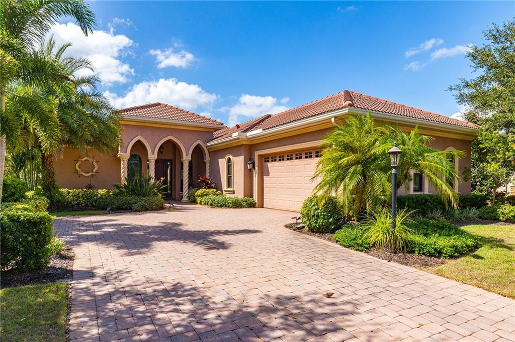 Pool and gathering room - Single Family Home for sale at 14710 Leopard Creek Pl, Lakewood Ranch, FL 34202 - MLS Number is A4442202