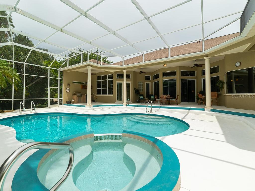 Single Family Home for sale at 9602 18th Avenue Cir Nw, Bradenton, FL 34209 - MLS Number is A4444353
