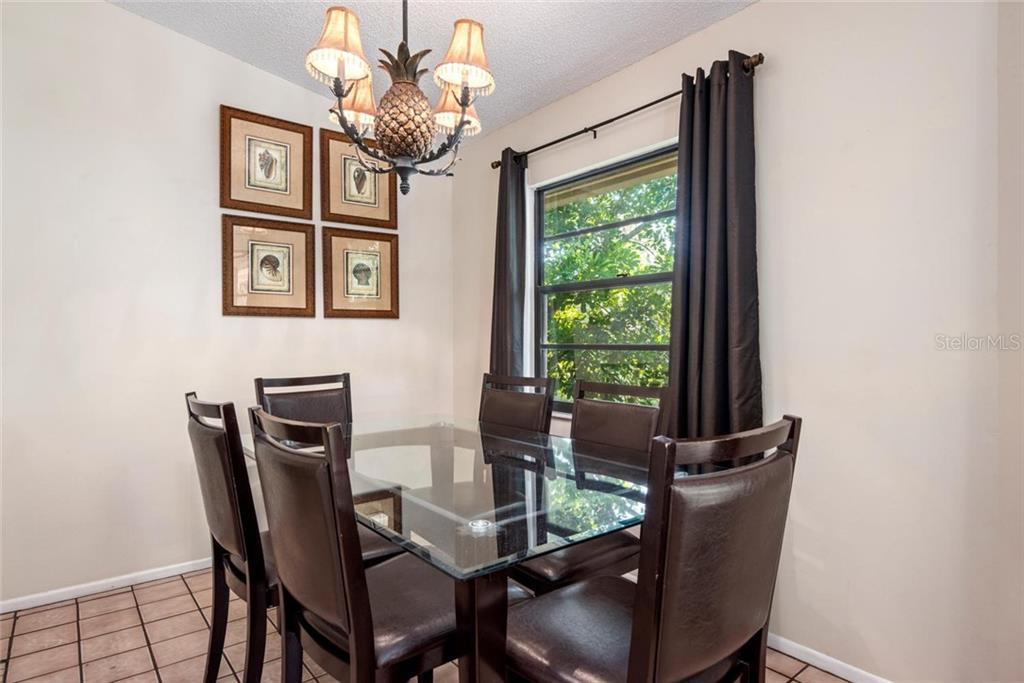 Starfish Dining. - Single Family Home for sale at 523 Beach Rd, Sarasota, FL 34242 - MLS Number is A4446354