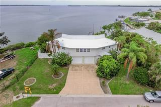 4517 Palmetto Point Dr, Palmetto, FL 34221