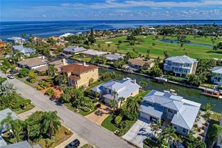 610 N Point Dr, Holmes Beach, FL 34217