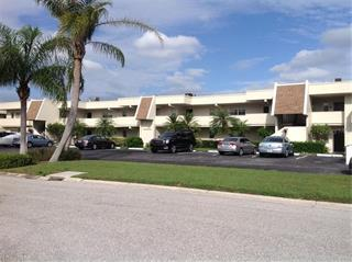 7301 W Country Club Dr N #110, Sarasota, FL 34243
