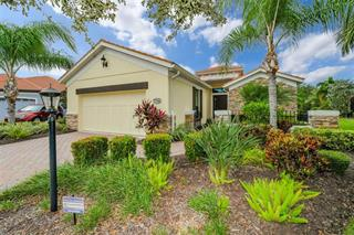 7714 Hazeltine Gln, Lakewood Ranch, FL 34202