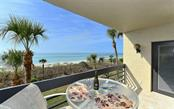1055 Gulf Of Mexico Dr #205, Longboat Key, FL 34228