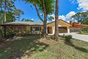 2827 Northwood Circle, Sarasota, FL 34234
