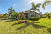 7702 Rio Bella Pl, University Park, FL 34201