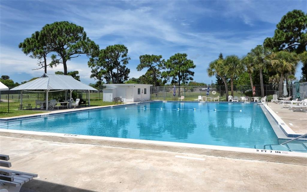 Community pool - Single Family Home for sale at 227 Redwood Rd, Venice, FL 34293 - MLS Number is N6103942