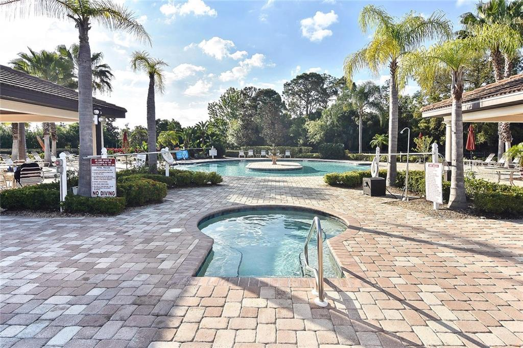 Community spa/pool - Villa for sale at 11108 Batello Dr, Venice, FL 34292 - MLS Number is N6104651