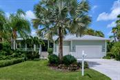 725 Eagle Point Dr, Venice, FL 34285